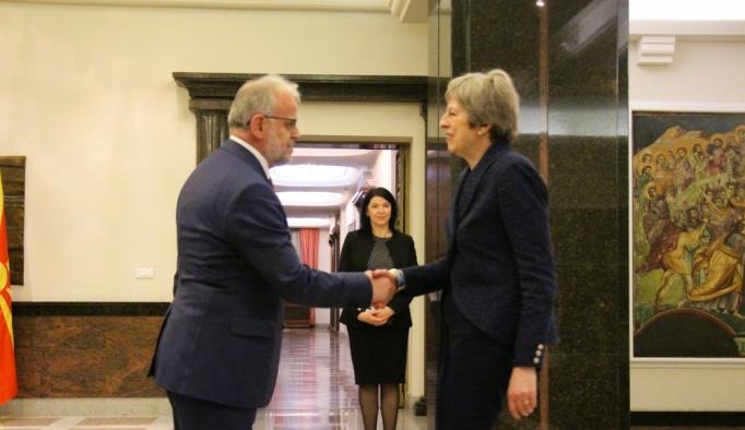 İngiltere Başbakanı May Makedonya'da