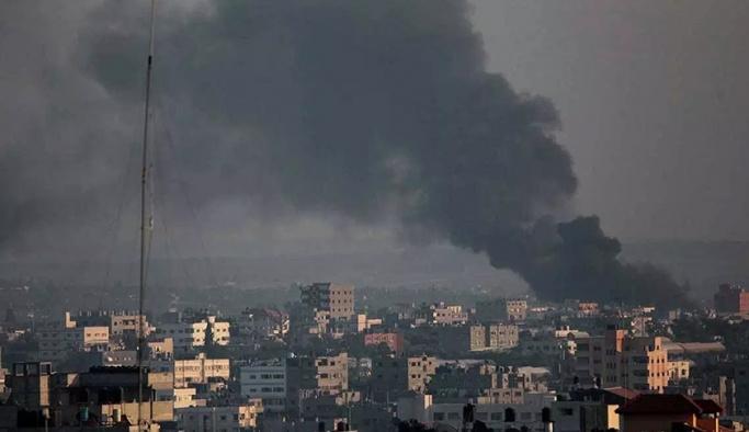 İsrail, Gazze'yi bombaladı