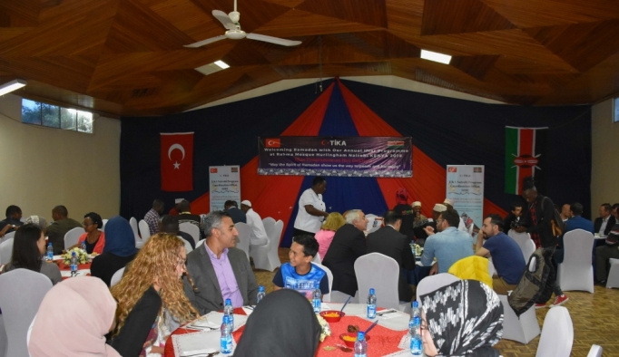 Kenya'da Müslümanlar ve Hristiyanlar iftar sofrasında buluştu