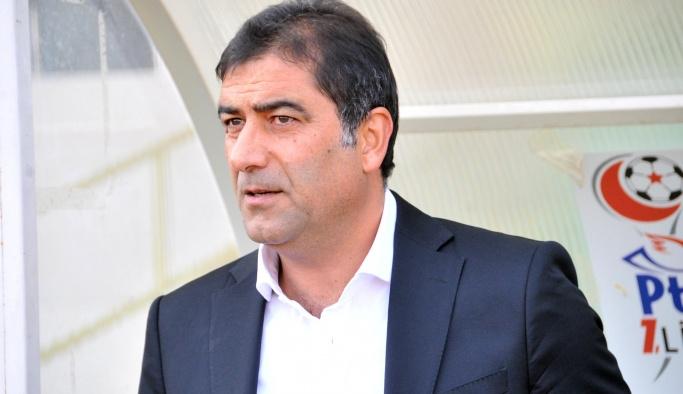 Trabzonspor'un yeni hocası Ünal Karaman oldu