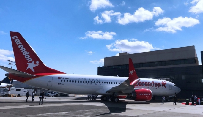 Türkiye'nin ilk Boeing 737 MAX 8'i Antalya'ya indi