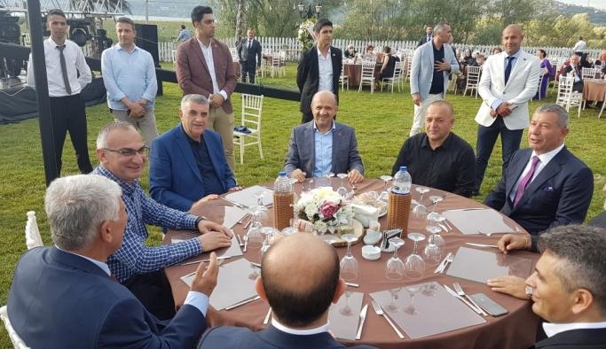 Başbakan Yardımcısı Fikri Işık, nikah şahidi oldu
