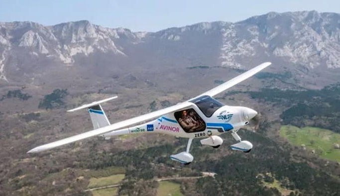 Elektrikli uçak Norveç'te test edildi