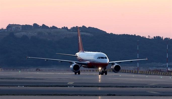 Erdoğan'ın uçağı İstanbul Yeni Havalimanı'na indi