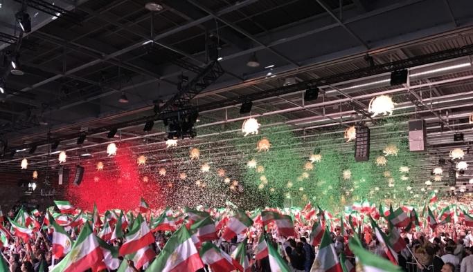 İran muhalefeti Paris'te etkinlik düzenledi