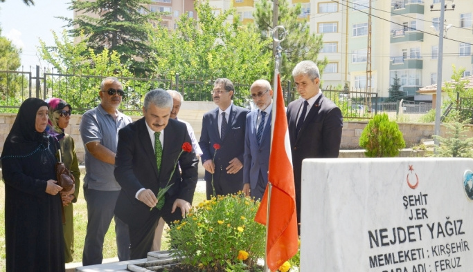 Kırşehir'de bayram öncesi şehitlik ziyareti