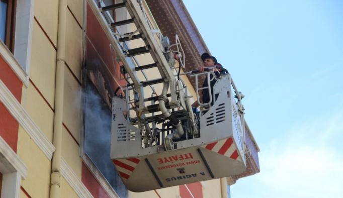 Konya'da apartmanda yangın