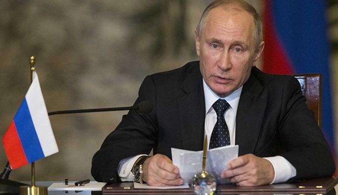 Putin Suriye'den çekilmeye başladıklarını açıkladı