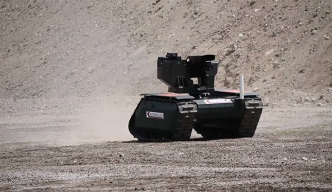 Türkiye'nin insansız kara aracı 'UKAP' göreve hazır