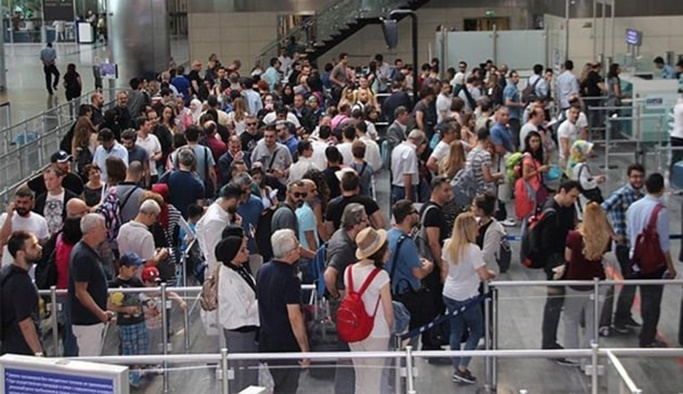 Türkiye'ye gelen turist sayısı yüzde 27 arttı