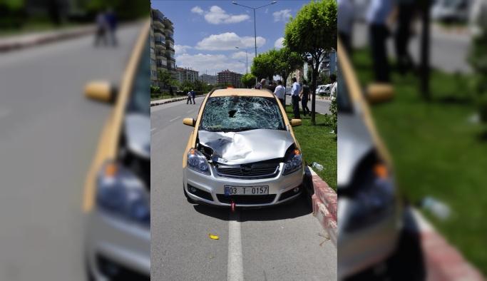 Afyonkarahisar'da taksinin çarptığı yaya öldü