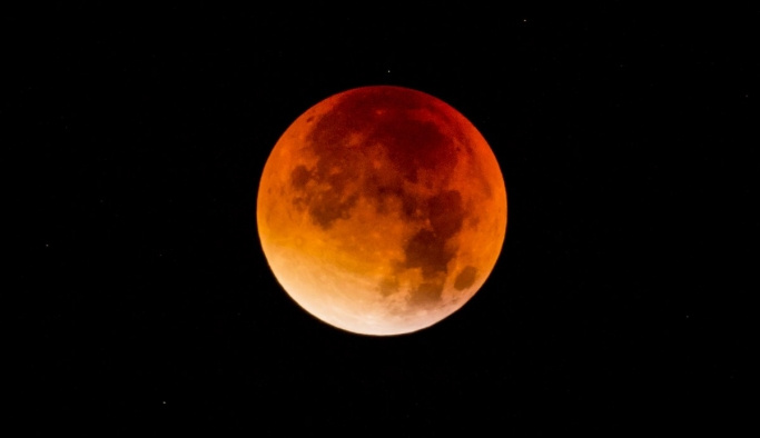 En uzun Kanlı Ay tutulması ne zaman? Kanlı Ay nedir?