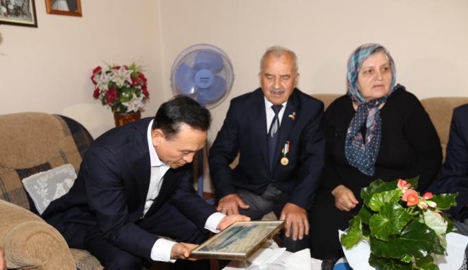 Güney Kore heyeti, Kore gazilerini ziyaret etti