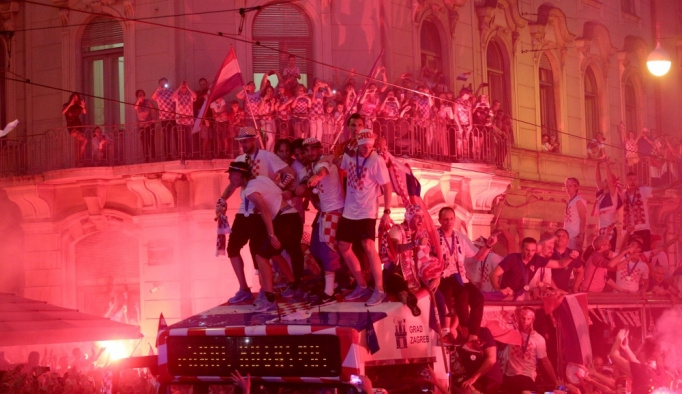 Hırvatistan dünya ikinciliğini kutluyor