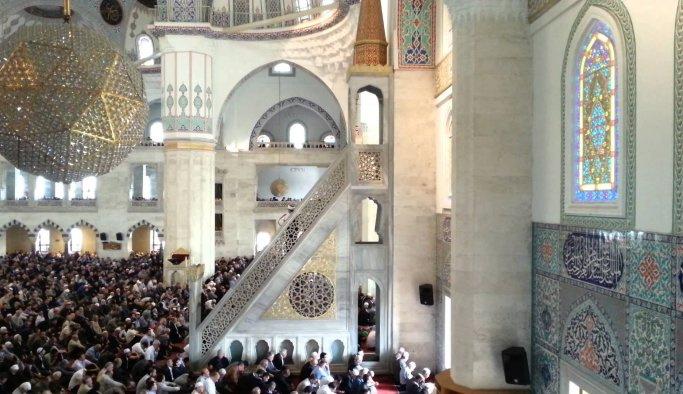 İstanbul cuma namazı kaçta? Cuma namazı kılınışı