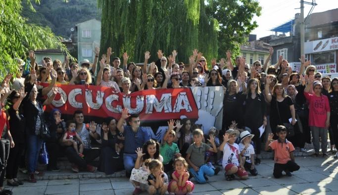 Kadın girişimcilerden çocuk istismarına karşı sessiz yürüyüş