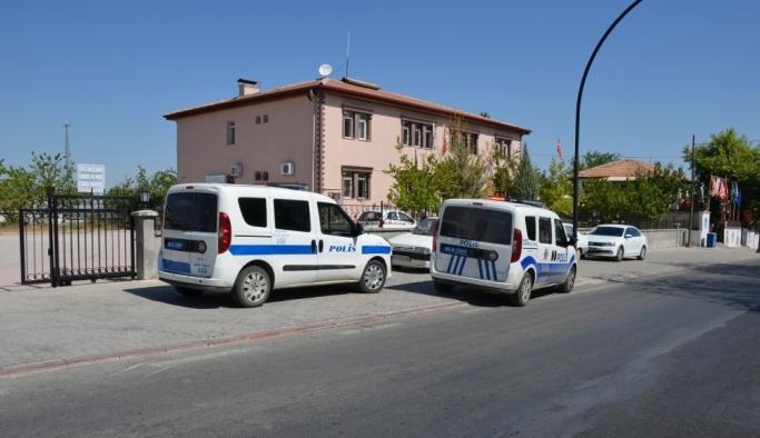 Malatya'da polis memuru karakolda bıçaklandı