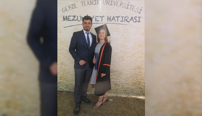 Mezuniyet töreninde evlenme teklifi