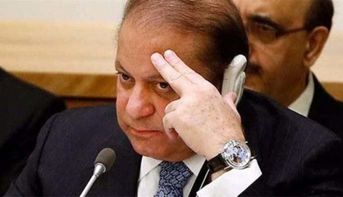 Pakistan eski Başbakanı Şerif'e 10 yıl hapis cezası