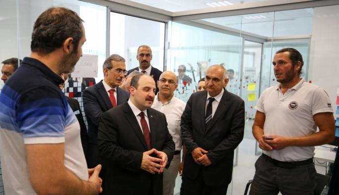 Sanayi ve Teknoloji Bakanı Varank'ın ilk ziyareti Teknopark İstanbul oldu