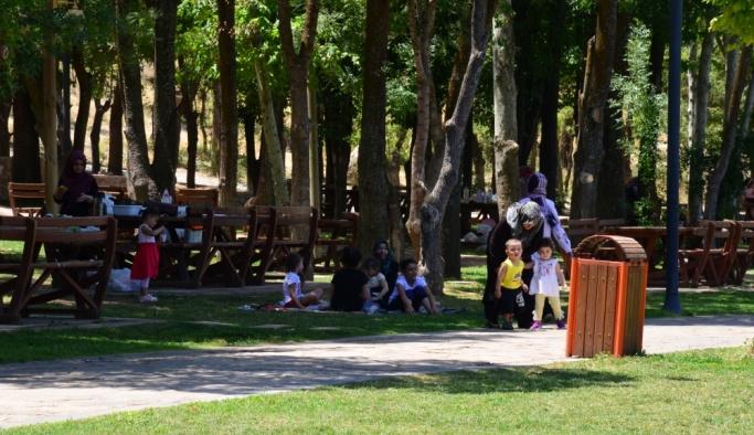 Şanlıurfa ve Malatya'da sıcak hava etkili oldu