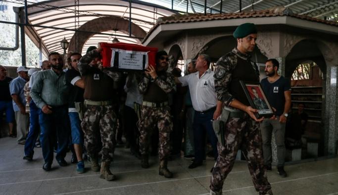 Vefat eden özel harekat polisi son yolculuğuna uğurlandı