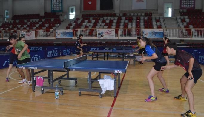 Yıldızlar ve Gençler Avrupa Masa Tenisi Şampiyonası'na doğru