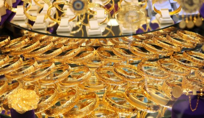 Adana'da vatandaşlar 3 günde 1 ton altın bozdurdu