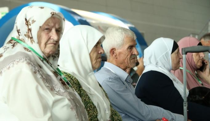 Arnavutluk'tan ilk hac kafilesi yola çıktı