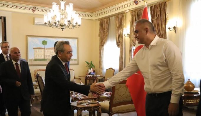 Bakan Ersoy Antalya'da bayramlaşma programına katıldı