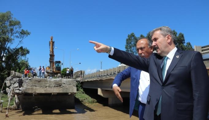 BBP Genel Başkanı Mustafa Destici sel bölgesinde