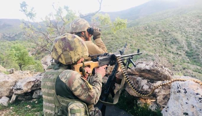 Bölücü terör örgütüne Tunceli'de ağır darbe