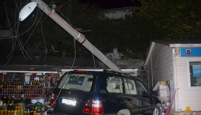 Bursa'da trafik kazası: 2 ölü, 1 yaralı