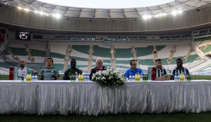 Bursaspor yeni transferlerini tanıttı