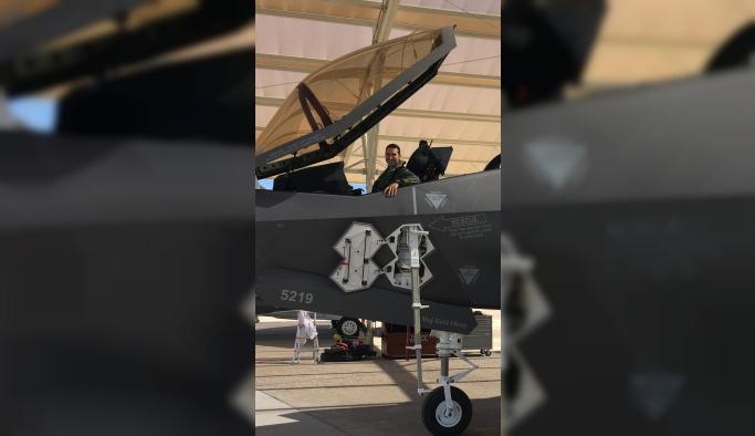 F-35'in kokpitinde Türk pilot