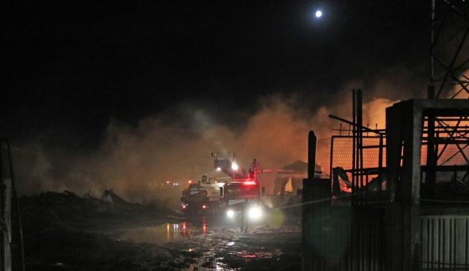 GÜNCELLEME 3 - Konya'da mobilya dekorasyon fabrikasında yangın