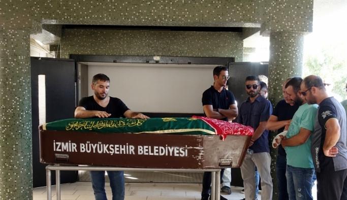 GÜNCELLEME - İzmir'de trafik kazası: 1 ölü, 5 yaralı