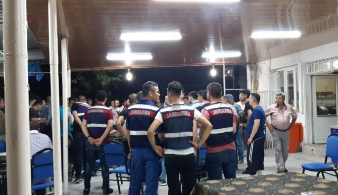 Manisa'da bıçaklı kavga: 3 yaralı