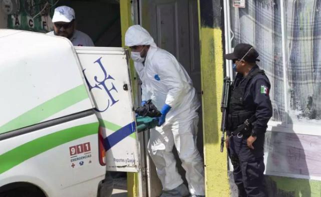 Meksika'da mafya dehşeti: İki mezarda 20 ceset