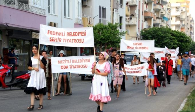 """Mersin """"Ayaş Antik Tiyatro Festivali"""" başladı"""