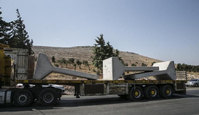 Sınır birliklerine konteyner ile beton blok sevkiyatı