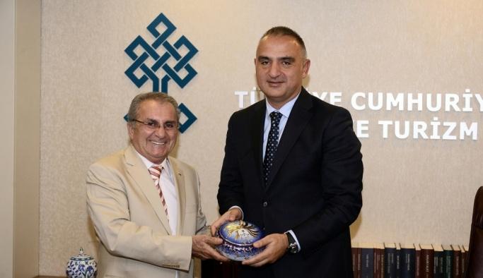 TÜROB yönetimi, Kültür ve Turizm Bakanı Ersoy'u ziyaret etti
