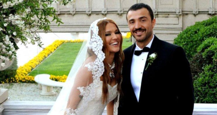 6 yıllık Demet Akalın ve Okan Kurt evliliği 10 dakika bitti
