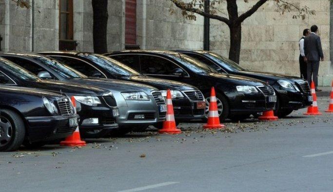 AK Parti: Lüks arabalara binmeyin