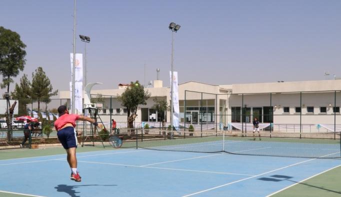 Batman'da tenis turnuvası