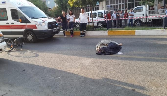 Bisikletle işe giden kadın midibüsün çarpması sonucu öldü