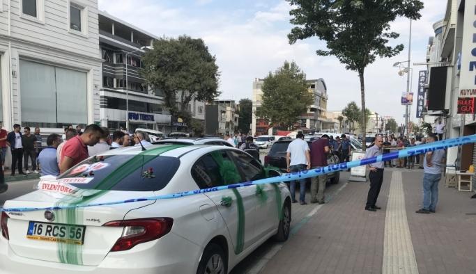 """Bursa'da """"gelin arabası""""yla soygun girişimi"""