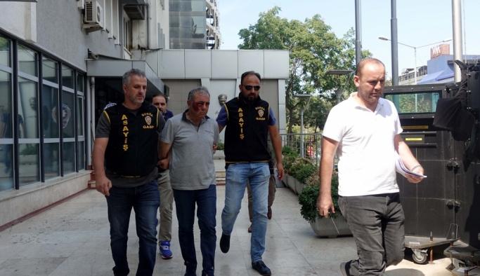 """Bursa'daki """"gelin arabası""""yla soygun girişimi"""