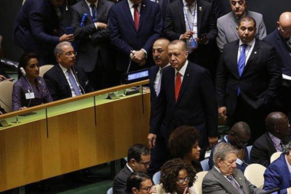 Erdoğan, Trump konuşurken salonu terk etti