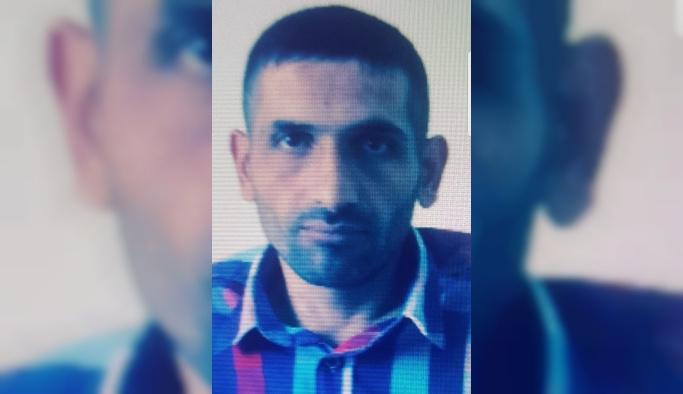 GÜNCELLEME 2 - Mersin'de bir evde 5 kişi ölü bulundu